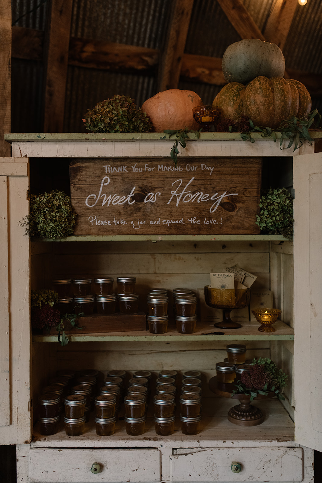fresh honey wedding favors iowa fall wedding