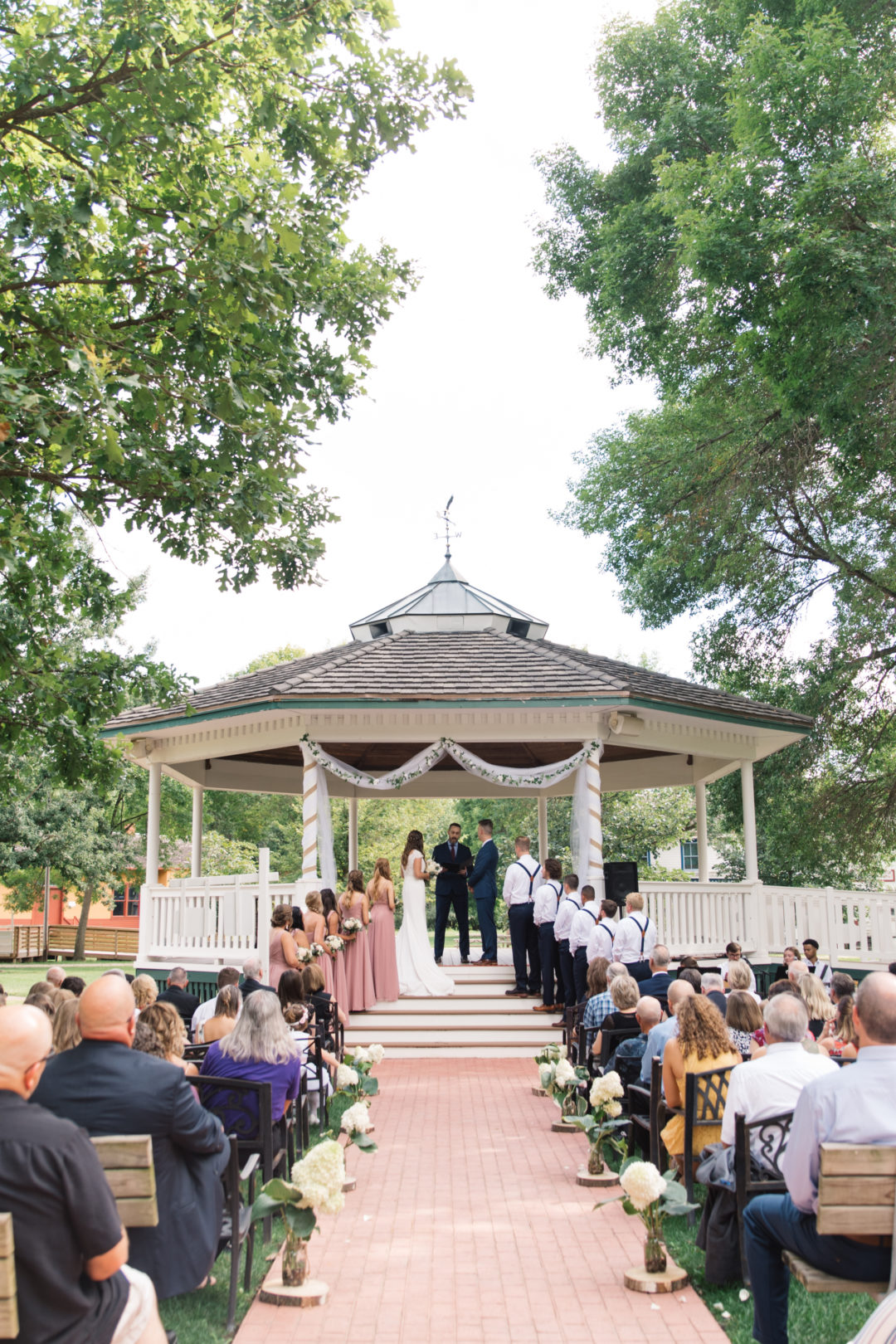 Best Cedar Rapids Wedding Venues | A Wedding Photographer's Guide