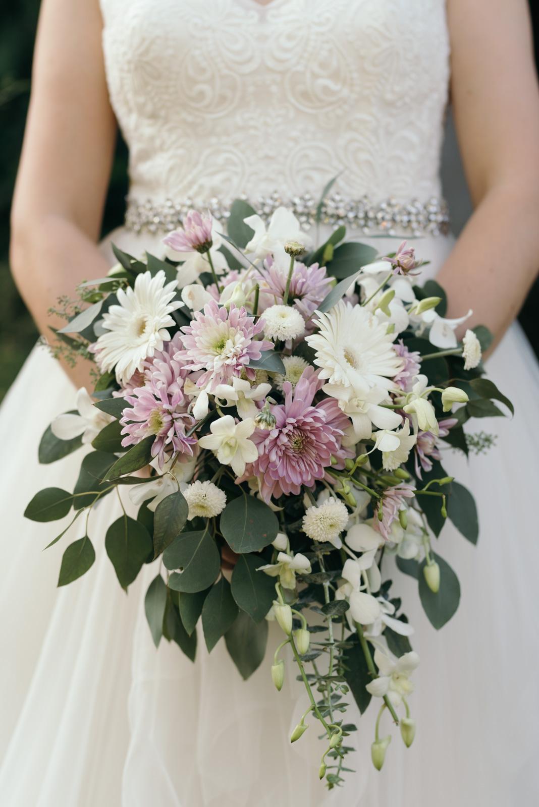 bridal bouquet iowa august wedding