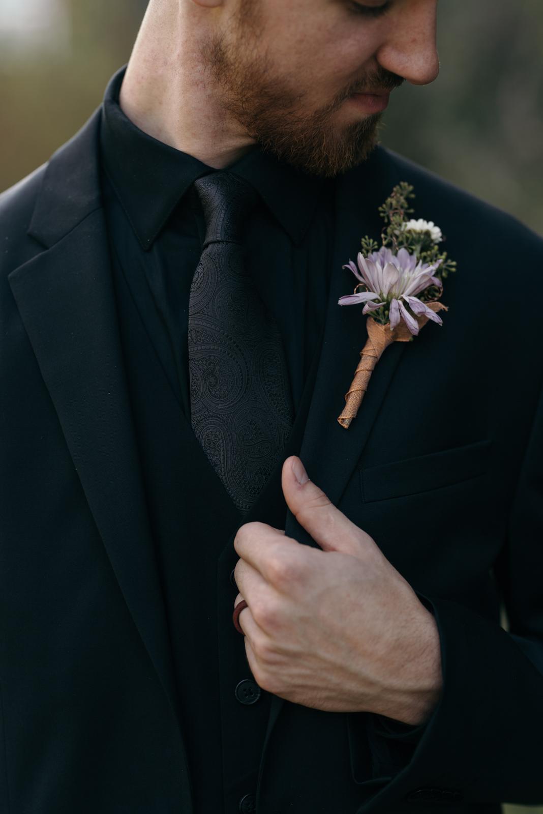 grooms flower boutonniere iowa august wedding