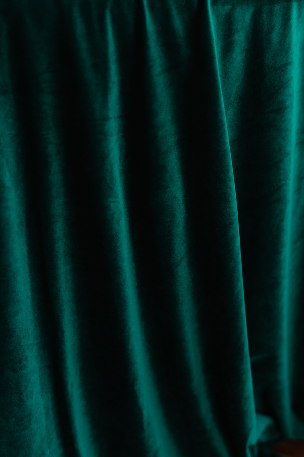 green velvet table cloth