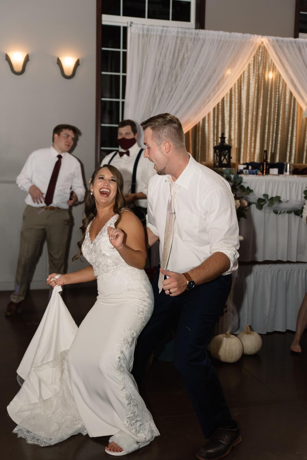 wedding reception bella sala wedding venue in tiffin iowa
